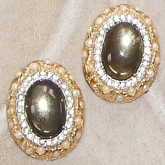 Smokey Grey Cabochon VTG Earrings by Nettie Rosenstein
