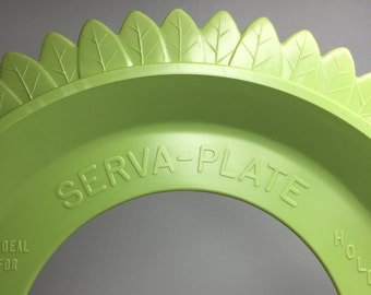 set of four vintage green Serva-Plate leaf-shaped paper plate holders