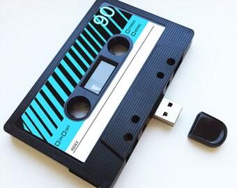 4GB/8GB/16GB USB Mixtape - Retro Personalised Gift - Loved One, Birthday, Wedding Present- Boyfriend, Girlfriend, Bestfriend- Flash Drive