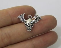 wholesale charm~~40pcs Skull and bat wings charms antique silver tone 22*16mm