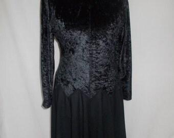 SALE 25% OFF Vintage black dress 80s black crushed velvet dress size large