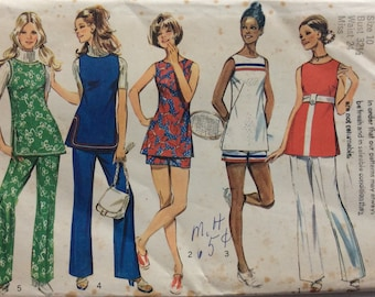 CLEARANCE!!  Simplicity 9408 misses tunic and pants or shorts size 10 bust 32 1/2 vintage 1970's sewing pattern  Uncut  Factory folds