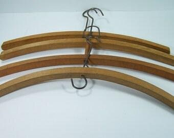 5 wooden hangers vintage Made in France