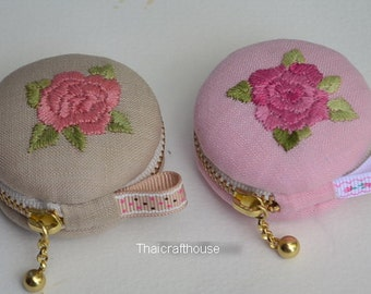 Macaroon Jewelry Purse,hand embroidery on linen,5 x 2.5 cm.