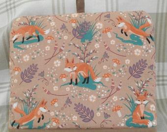 Tea cosy-Foxes tea cosy-Wildlife tea cosy-Tea cozy-Unique tea cosy