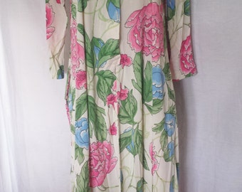 Vintage 1960's Mod Floral Bathrobe silky Housecoat Loungewear misses size small - medium