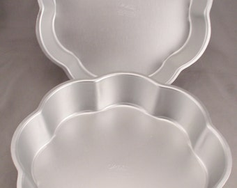 """2 Wilton 9 1/2"""""""" Petal Shaped Cake Pans - 1971 - Retired - Never Used."""