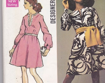 Simplicity 8593 Vintage Pattern Womens Lined Dress in 2 Variaitons Size 18 Bust 40