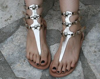 T-strap gladiator leather sandals with skulls womens gold metallic sandals strap thong sandals statement sandals bridal flat wedding sandals
