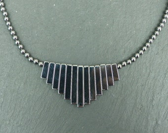 Vintage 1970s - Hematite Graduated Bib Necklace