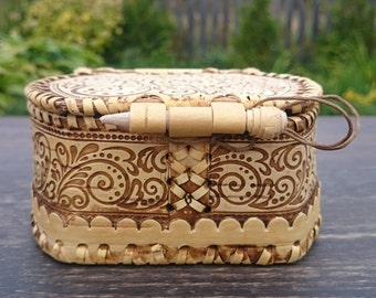 decorative box, sister gift, gift box, hand carved, storage box, trinket box, girlfriends gift, birch, intricate, wood design, eco friendly
