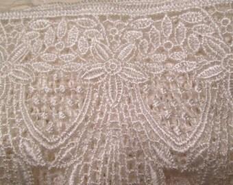 1 yard Venetian lace trim ecru floral #L4