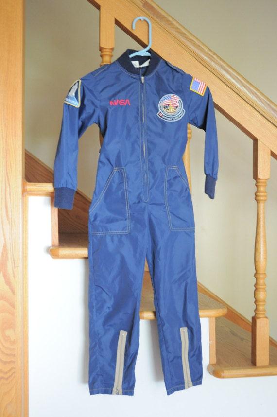space astronaut jumpsuit - photo #22