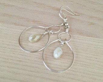 Sterling silver drop earrings Silver briolette earrings Dainty earrings Everyday earrings Wire earrings Jewelry Gift Idea.Bridal earrings