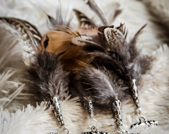 Set of 4 dread beads with natural feathers