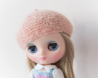 Middie Blythe peach hat blythe peach Beret сrochet mohair Beret for Middie Blythe doll outfit peach soft cozy Middie Blythe beret fashion
