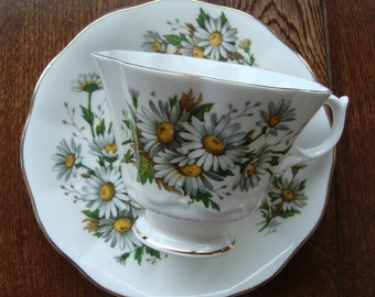 Queen Anne - Daisies - Bone China England - Vintage Embossed Tea Cup and Saucer