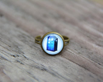 Doctor Who Ring, Tardis Ring, Police Box Ring, Blue ring, Glass dome Ring, Adjustable Ring, Brass ring, Bronze Ring, Statement Ring, Nerd