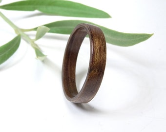 Wood ring santos rosewood // wooden ring Pau Ferro //  Bolivian Rosewood // Wooden Jewelry // wood ring for men or women