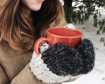 The Holly // Two-tone, chunky knit, mitten