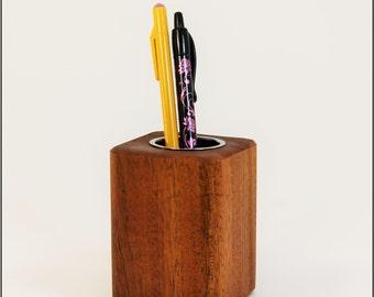 Woodberry Desktop Collection Pen Cup (Honduran Dark Mahogany)