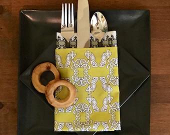 Cloth digital digit napkins with Apsen napkin rings