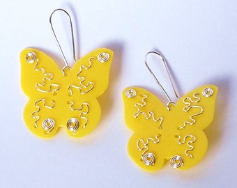 RecuperArte Butterfly: recycled plastic bottles earrings