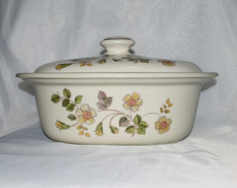 Autumn Leaves Casserole Dish - Made in England