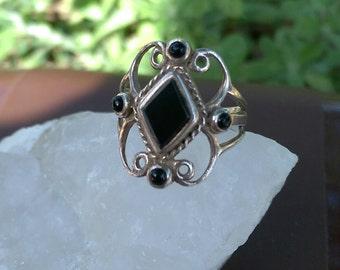 Vintage Silver & Onyx Filigree Ring