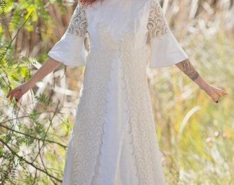 SALE // Vintage Empire Line Lace Wedding Dress