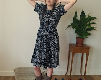 80s Patterned Dress with Shoulder Pads / 80s Summer Dress