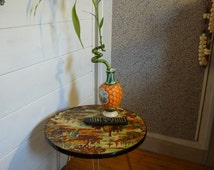 small French gueridon table end of couch 50s formica tripod feet shaped 'pencil' vintage metal gold metal