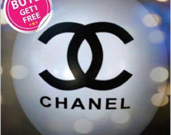 Parisian White & Black Balloons