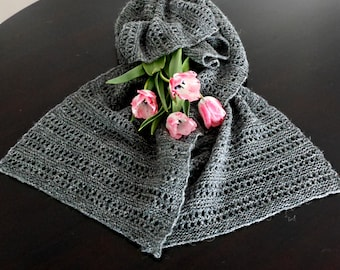 Icelandic Wool Hand Knitted Gray Scarf