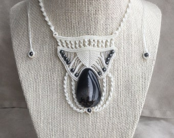 Elegant Black Sardonyx and Hematite Macrame Necklace