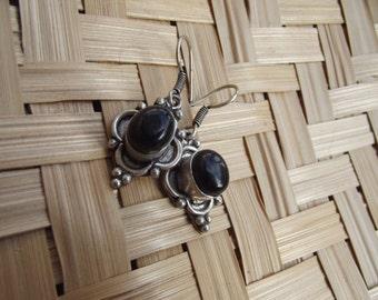 Silver stone earrings, silver onyx earrings, wire earrings, onyx women earrings, indian stone earrings.