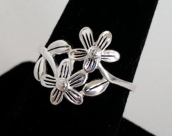 Vintage Flower Sterling Silver Ring size 7.5