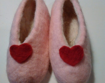 Carded wool slippers