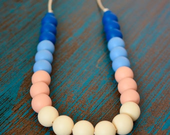 Silicone Teething Necklace, Bite Beads, Nursing Necklace Jewelry, Chewing Beads, Chew Jewelry, Blue Ombre Gradient, Teether Chewing Beads