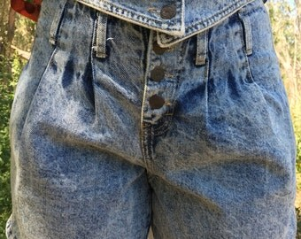 Vintage 80's High Waisted Wide Leg Denim Shorts with Rolled Cuff and Front Pleats