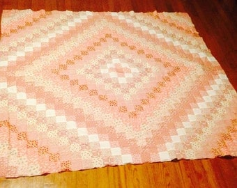 Trip Around the World/reds and white 30's fabric/30's fabric-feedsac/30's fabric/handmade Trip Around the World/