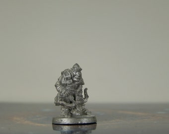 Dungeons and Dragons 1991 Ral Partha Goblin Archer Adjusting Arrow Metal Miniature D&D