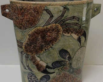 12 inch oval vase with crab design