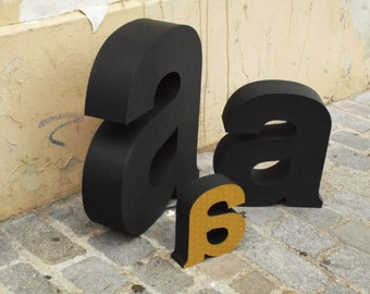 BIG Letters; Lettres en volume grand format 65cm
