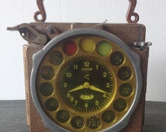 ANTWERP NATURAL JUNIOR loft 1950 s. Pigeon clock, duivenklok. Authors Uhr 1952-1965. Industrial Loft decoration