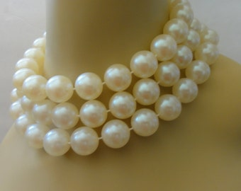 Vintage Creamy Bold Three-Strand Faux Pearls Choker Necklace
