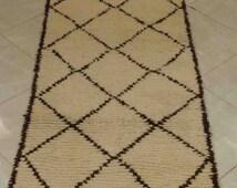 "Beni Ourain, 68""x27"",Moroccan rug, handmade rug, wool carpet, Berber carpet, bohochic style, bohemian rug, Marrakech rug, Moroccan carpet"