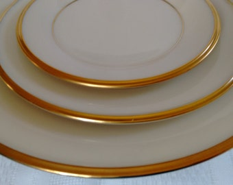 Lenox Eternal      fine bone china      5 pieces per place setting       24 karat gold