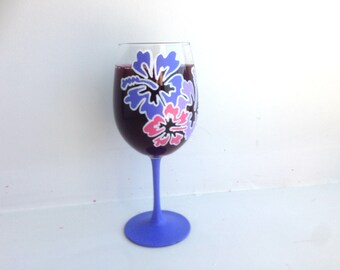 Blue Hawaiian Flower Glass, Hibiscus Wine Glass, Flower Wine Glass, Gift for Mom, Mother's Day Gift, Hand Painted, Wine Glass, Wine Lover