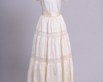 1940 Peasant Lace Vintage Wedding Gown